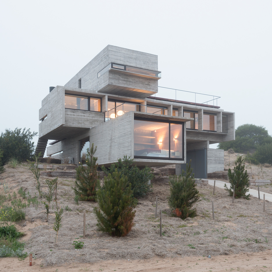 casa golf by luciano kruk - Concrete House