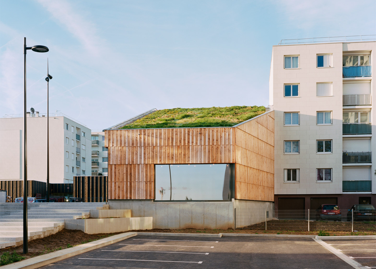 Centre Socio Culturel Christian Marin by Guillaume Ramillien Architecture