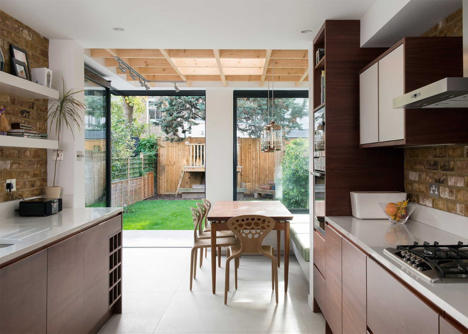 Craig and Siobhan's Place by Alexander Owen Architecture