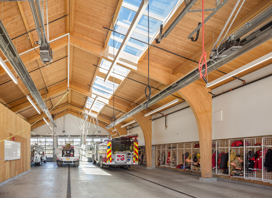 Fire Station 76 by Hennebery Eddy