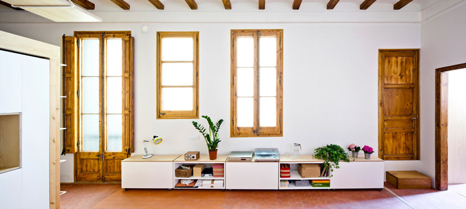 Apartment refurbishment in Gran Via, Barcelona by Anna & Eugeni Bach