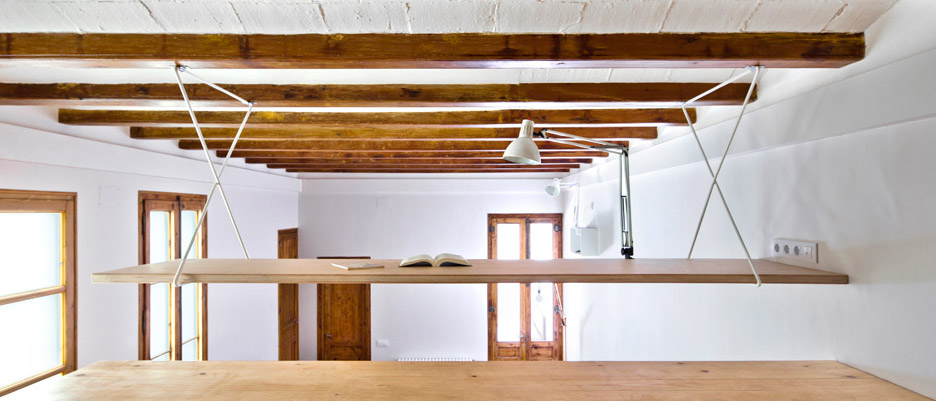 Gran-Via_Barcelona-Anna-Eugeni-Bach_apartment-refurbishment_dezeen_936_9