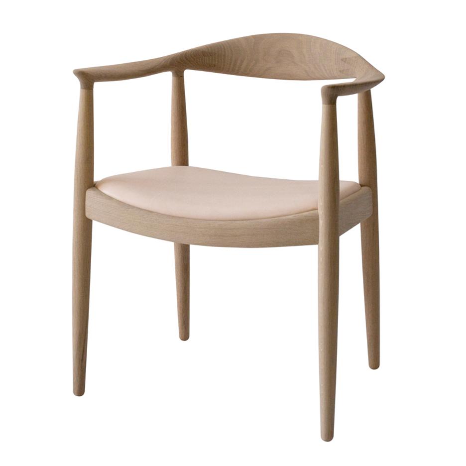 Hans-wegner-round-chair-pp-mobler_Dezeen_936
