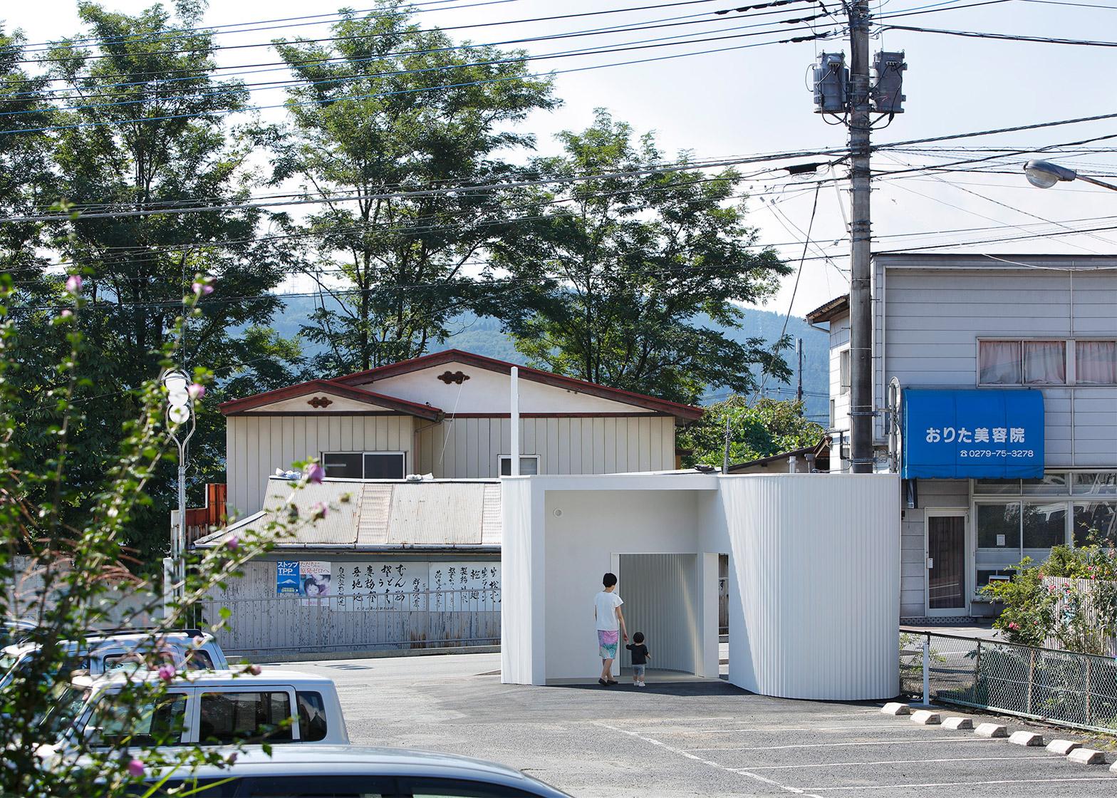 Isemachi Public Toilet, Japan by Kubo Tsushima Architects
