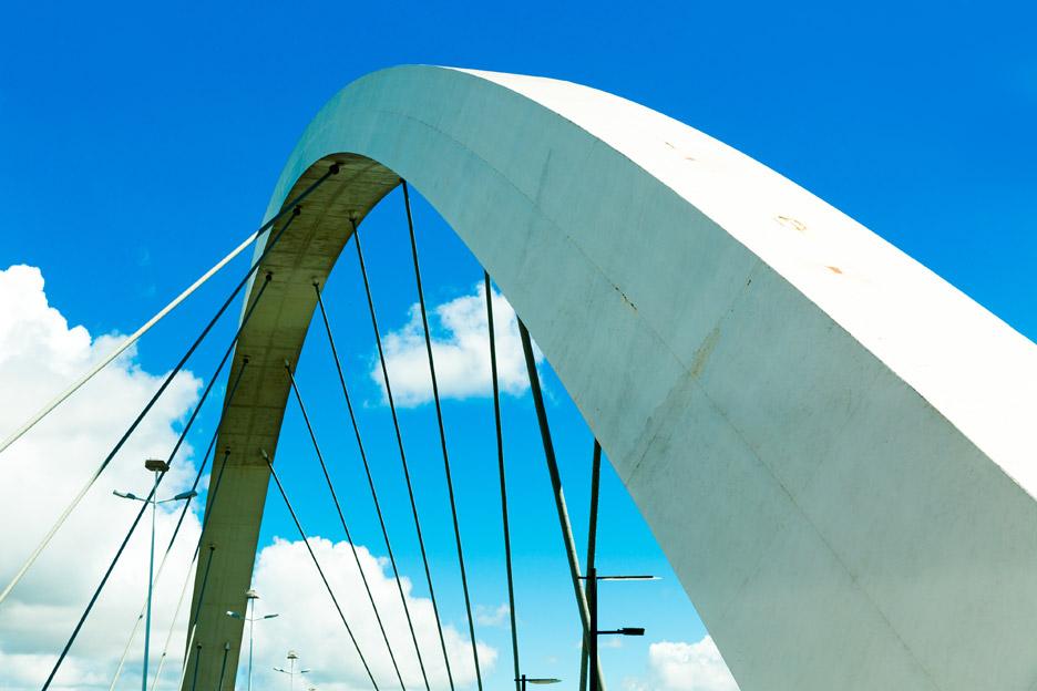 Juscelino Kubitschek Bridge by Alexandre Chan
