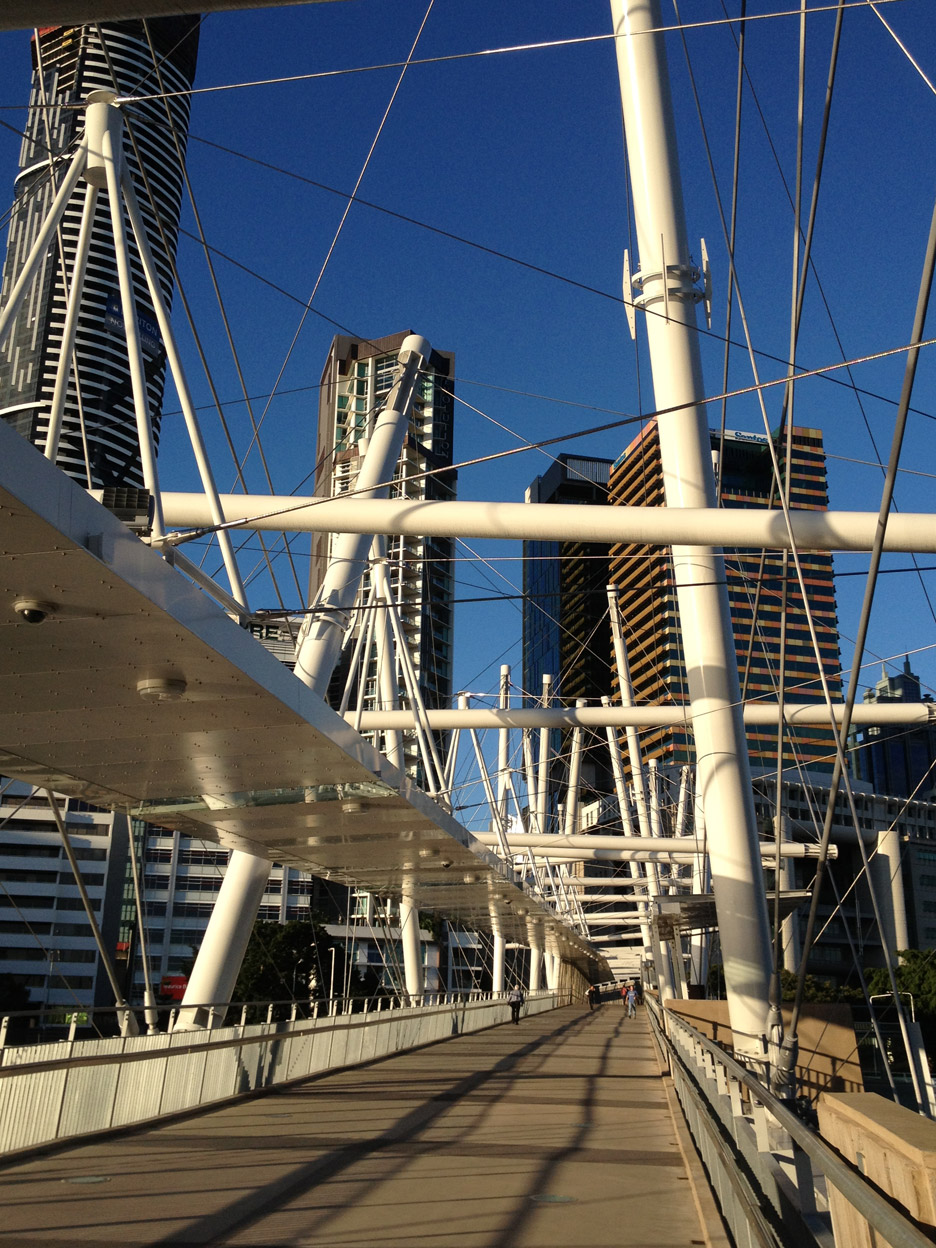 Kurilpa Bridge by Cox Rayner Architects and Arup