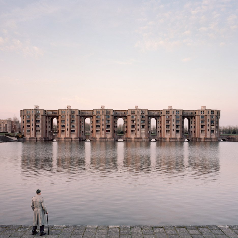 Laurent Kronental's Souvenir d'un Futur photos show Paris' monumental housing estates