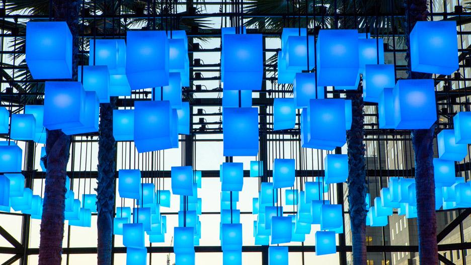 Luminaries_LAB_Rockwell-Group_Winter-Garden-Holiday-Installation_Brookfield-place_Manhattan_New-York-City_USA_dezeen_936_0