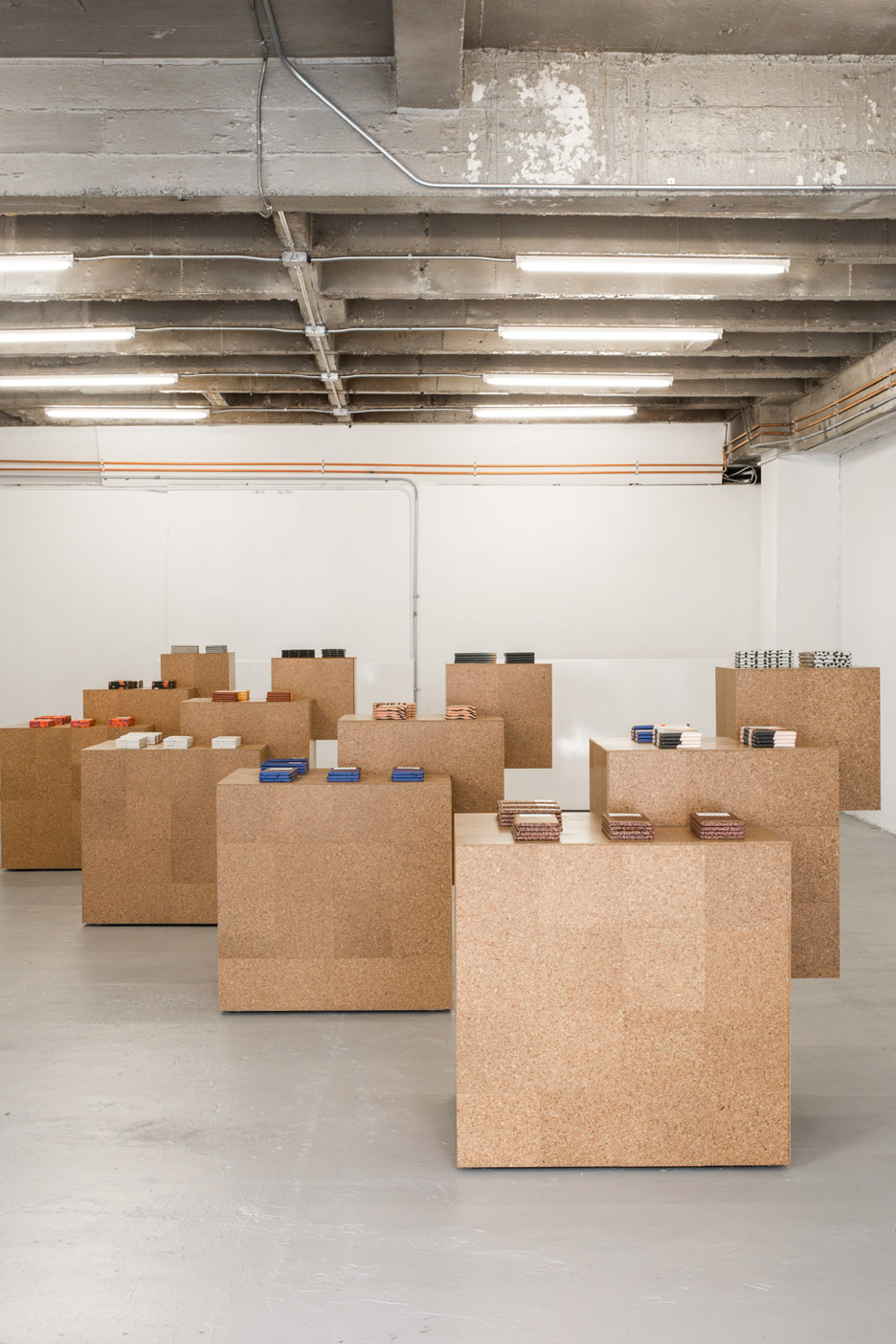 Mast-Chocolate-Pop-Up_Sight-Unseen-Exhibition_LA-Design_Austere_dezeen_936_1