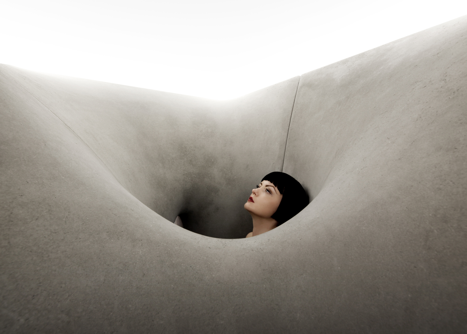 The sculptural walls of Matter Design's Microtherme acted like a concrete sauna