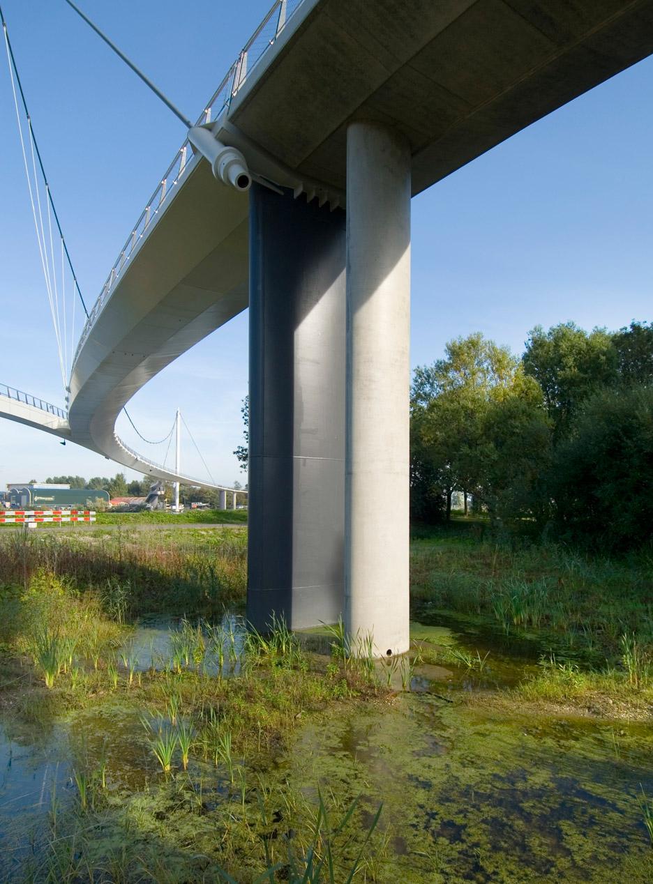 Nescio Bridge by Wilkinson Eyre