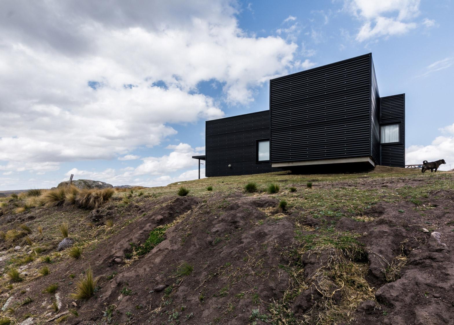 Pampa House by Mariana Palacios