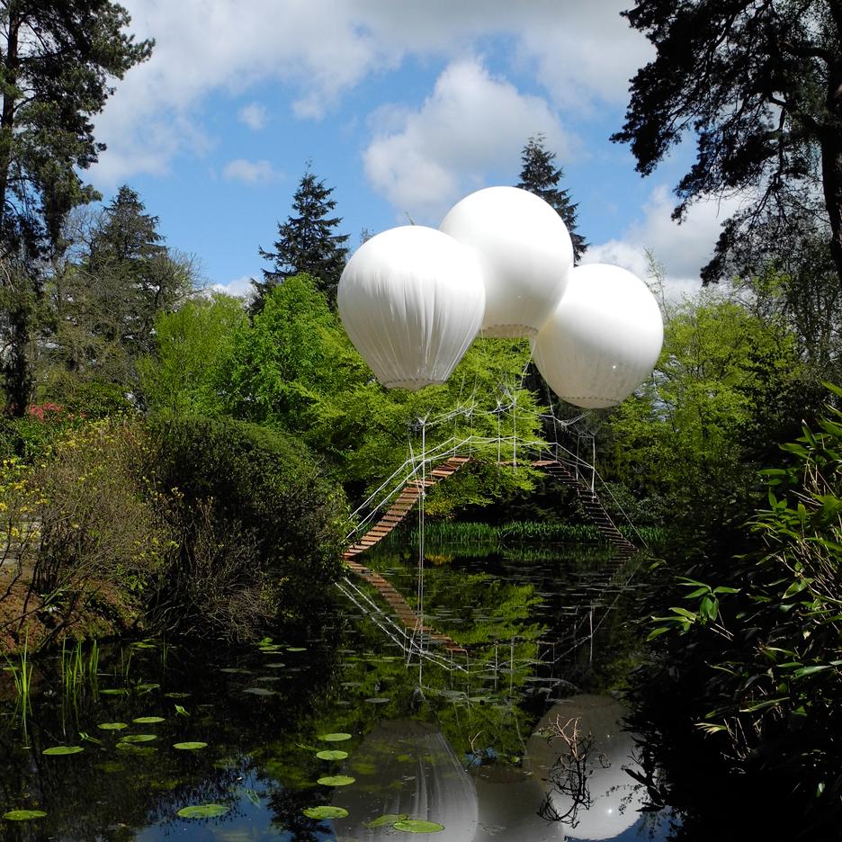 Pont-de-Singe-balloon-bridge_Olivier-Grossetête_advent-calendar_dezeen_sqb