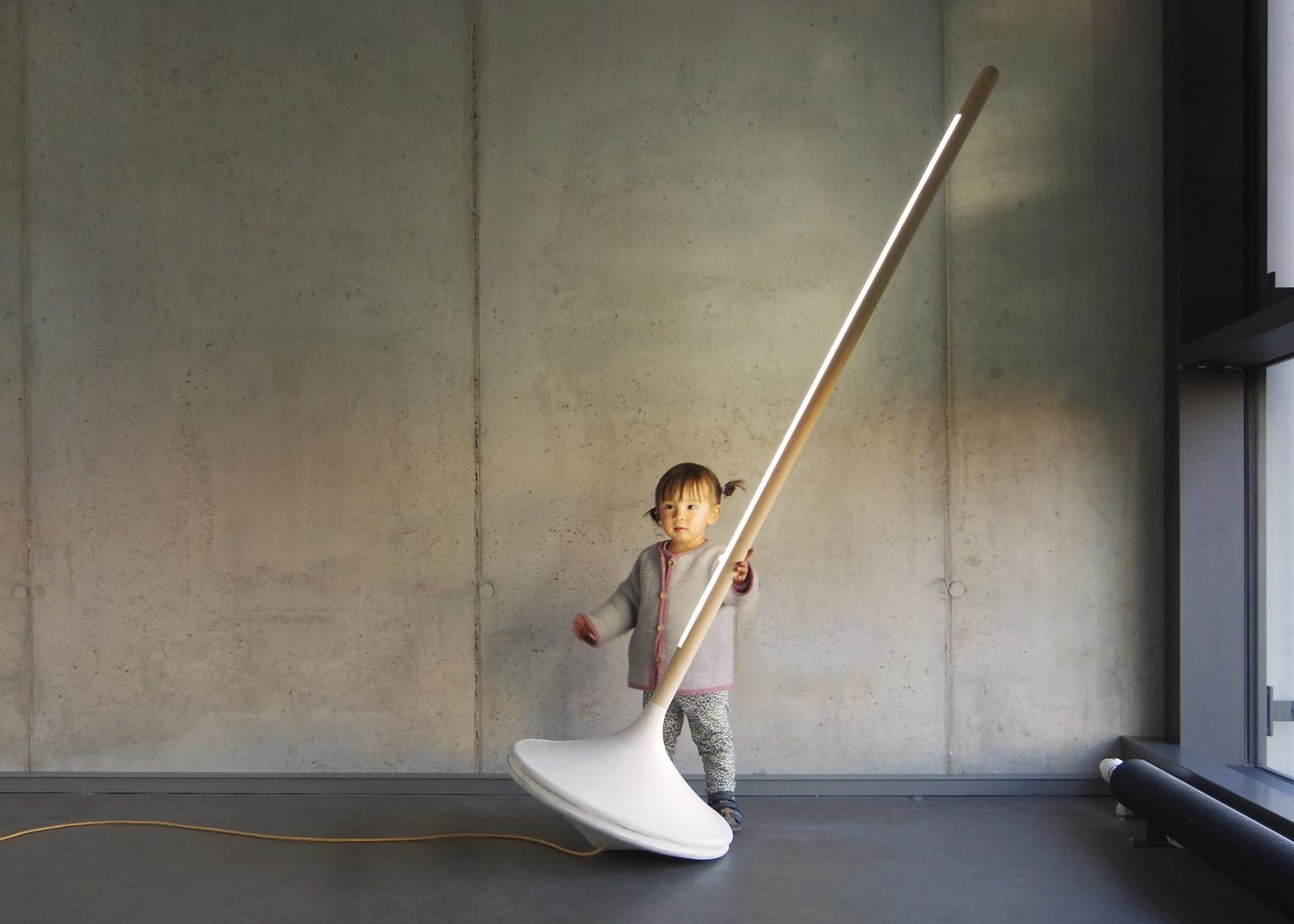 Ewan Cashman S Pumpal Light Resembles An Oversized Spinning Top