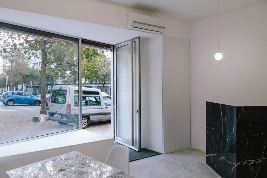 Real estate store by Fala Atelier