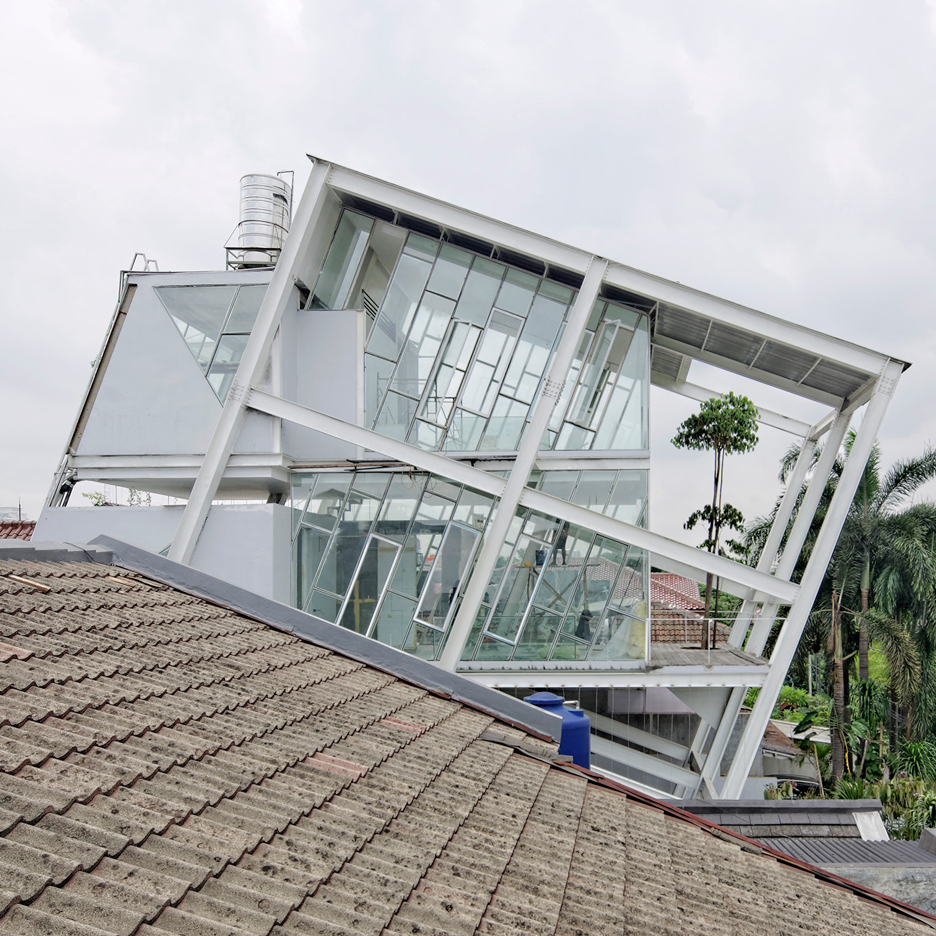 "Budi Pradono's leaning house in Jakarta built as a ""symbol of anti-establishment"""
