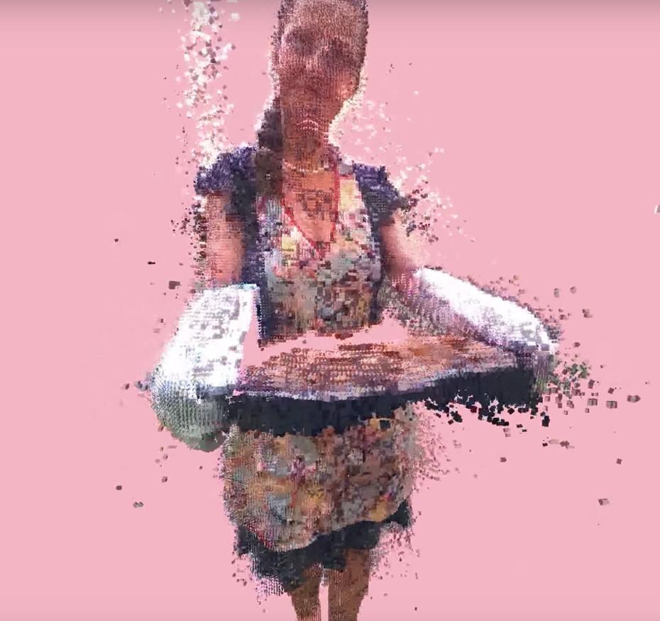 Sissi Rada's Sunday music video by Schnellebuntebilder