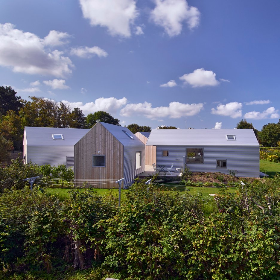 Summer-House-Denmark_Jarmund-Vigsnaes-Arkitekter-_dezeen_sqe