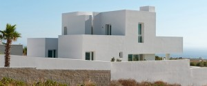 Summer-House-in-Santorini_Kapsimalis-Architects_dezeen_rhs