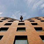 Wandel Lorch completes chapel with bulging brickwork in Hamburg docklands