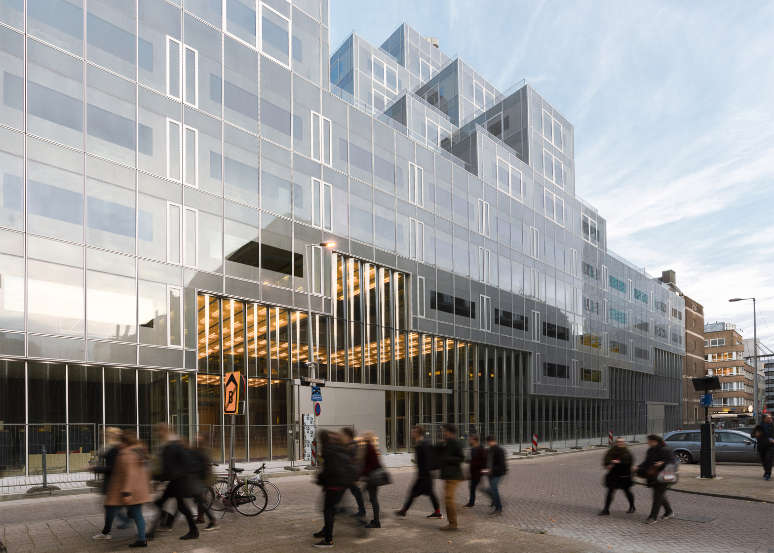 Oma completes pixellated timmerhuis complex in rotterdam for Architecture rotterdam