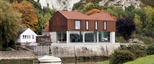 south-street-sandy-rendel-lewes-sussex-architecture-sustainable-contemporary-family-home-oliver-perrott_dezeen_rhs