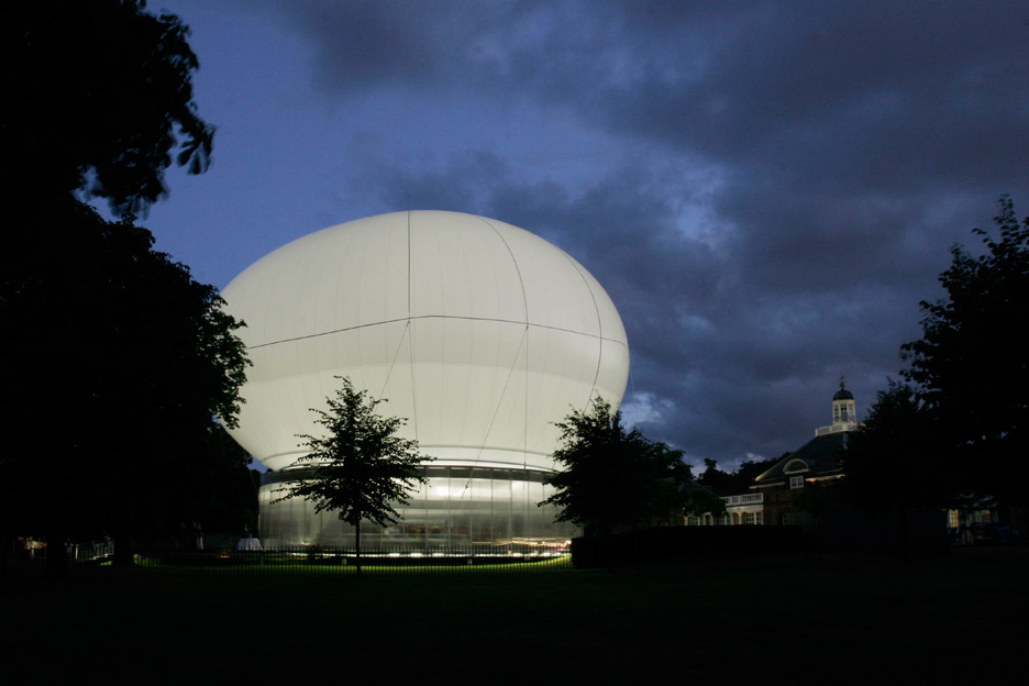 2006 Serpentine Gallery Pavilion by Rem Koolhaas and Cecil Balmond