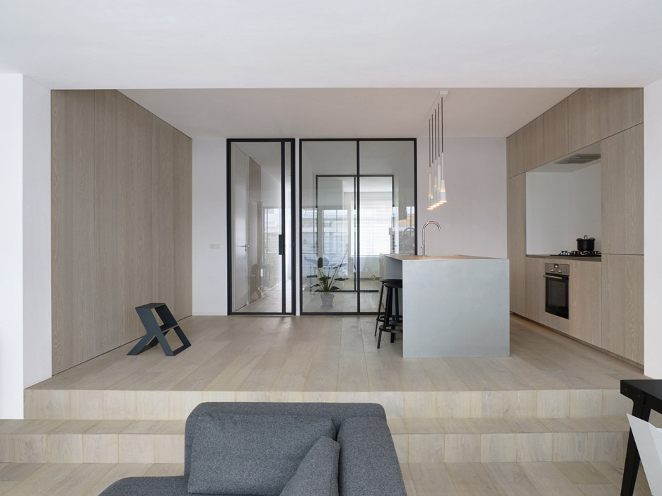 Amsterdam apartment by Studio Frederik Roijé
