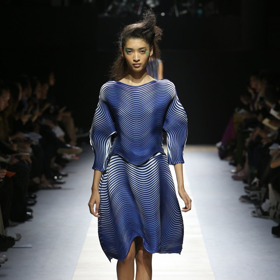 Issey Miyake bakes fabric to pleat Spring Summer 2016 garments