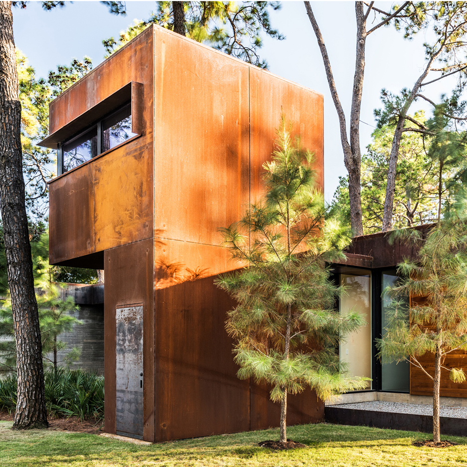 Wernerfield uses concrete and weathering steel to create low-maintenance weekend home in Texas
