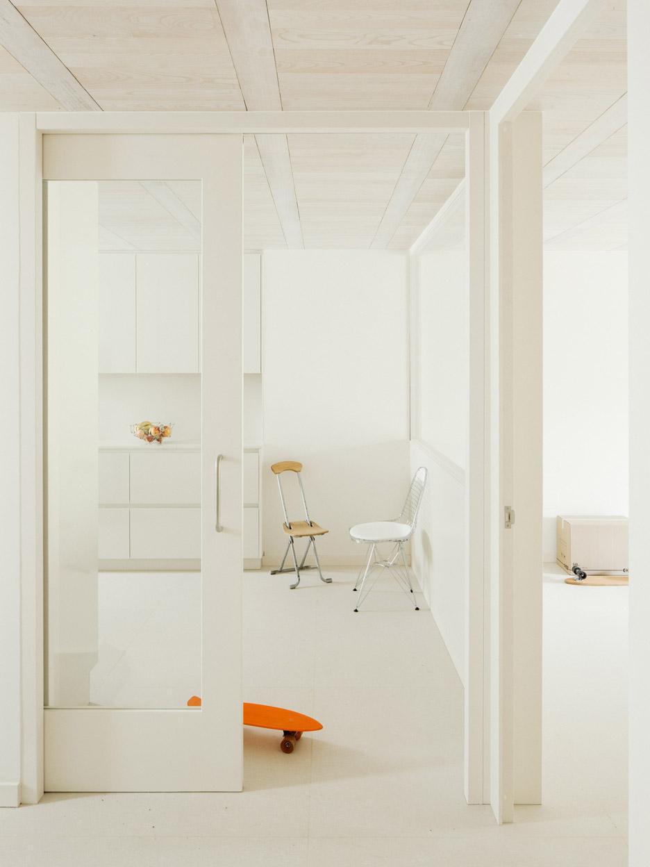 Casa do Medio by Arrokabe Arquitectos
