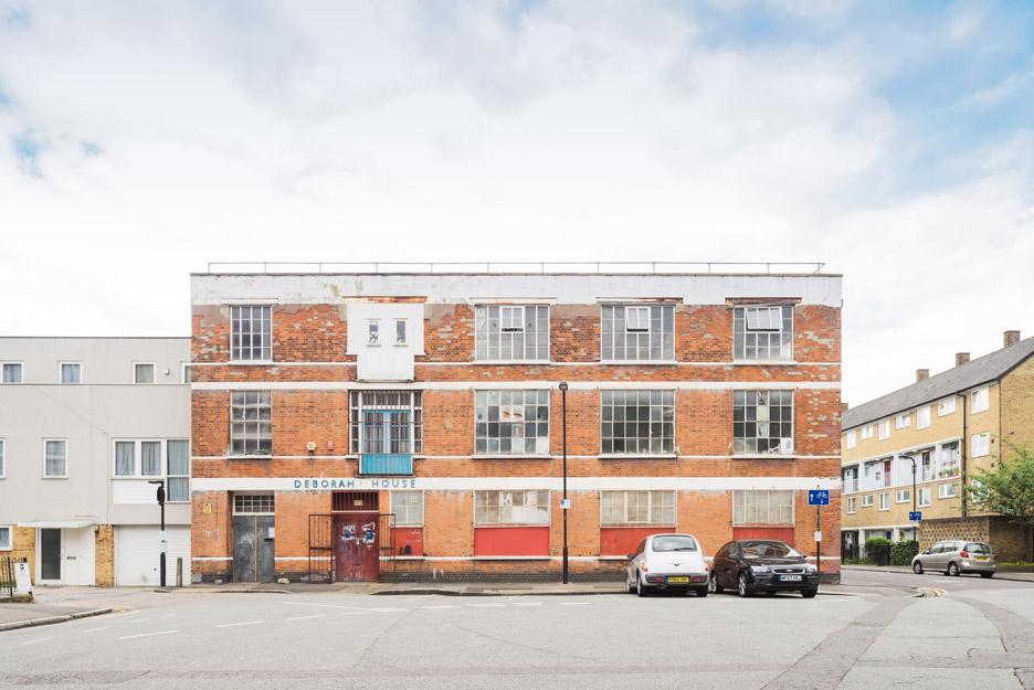 Deborah House by Sarah Wigglesworth Architects