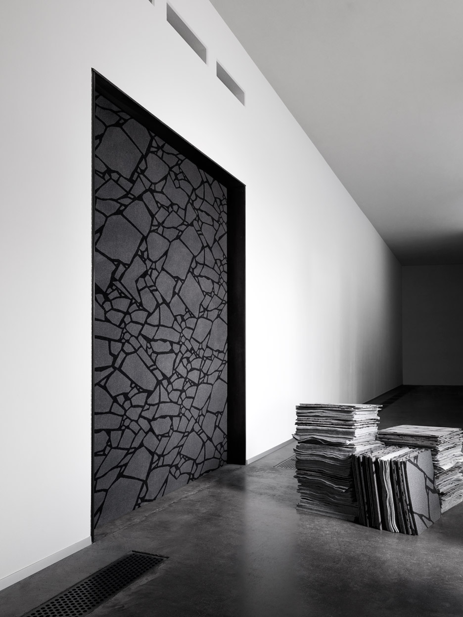 Ege By Tom Dixon The All Black Crack Carpet