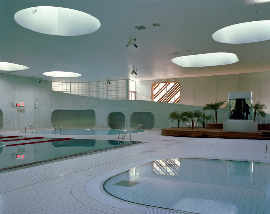 Aquazena swimming pool by Mikou Studio