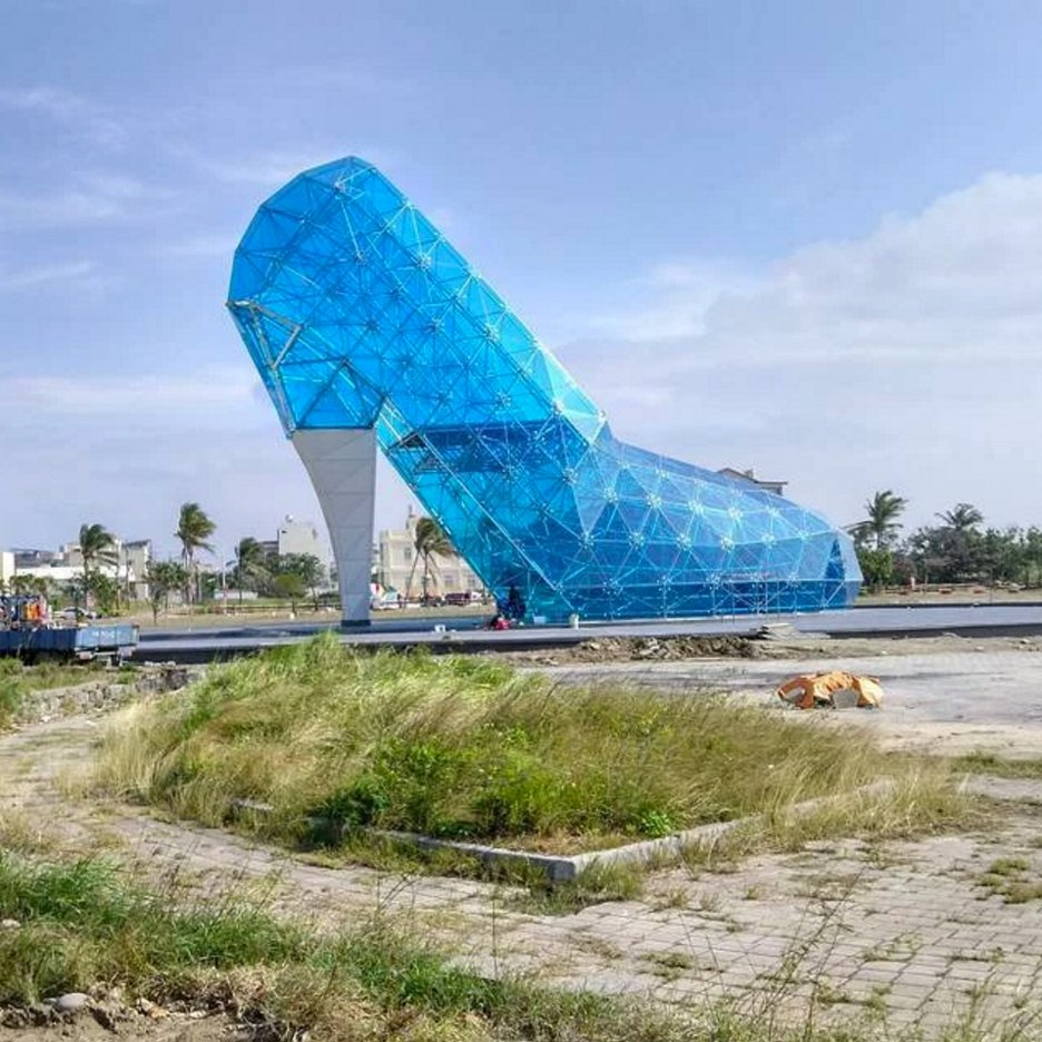 Taiwan builds glass-slipper church for fairytale wedding photographs