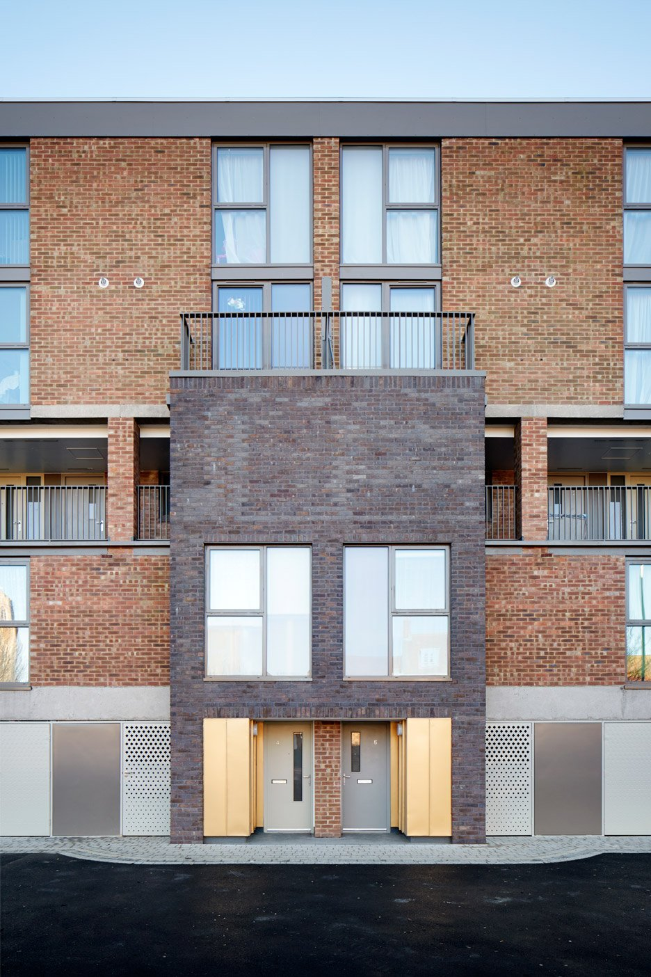 Hillington Square by Mae Architects