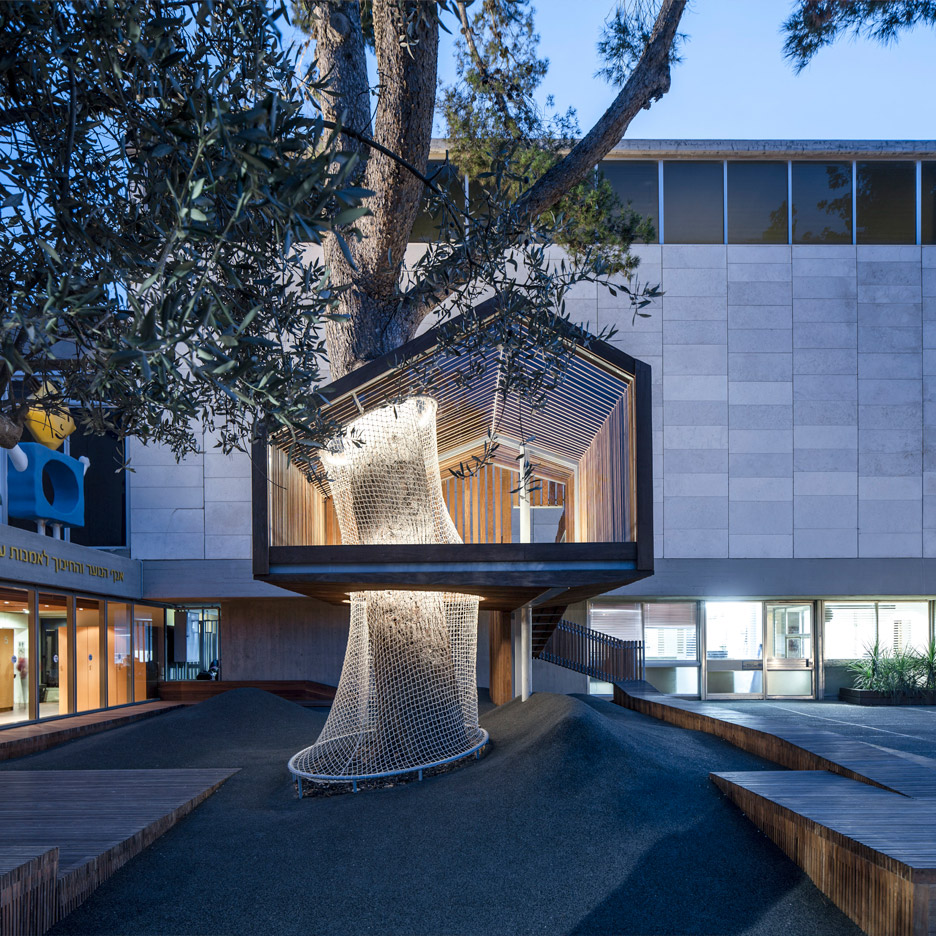 treehouse installed in israel museum playground