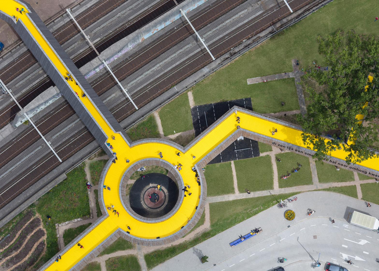 ZUS' Luchtsingel pedestrian bridge