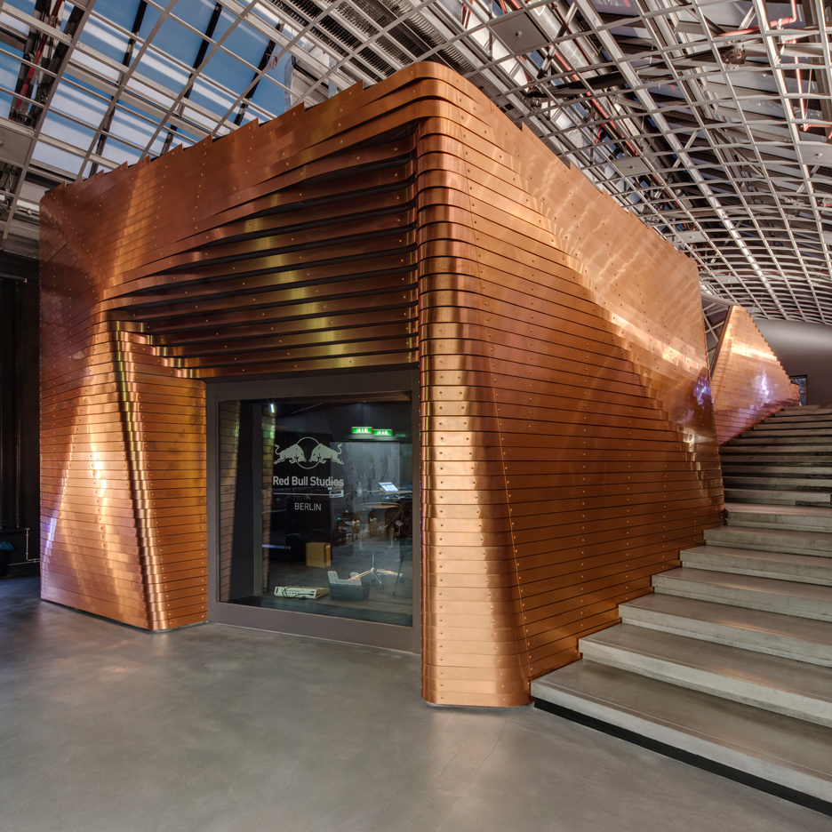 Red-Bull-Studio_Optimist-Design_Berlin_sculptural-music-studio_dezeen_1568_6sq