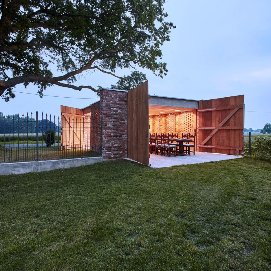 Wirth Architekten\'s perforated brick shed doubles as dining room