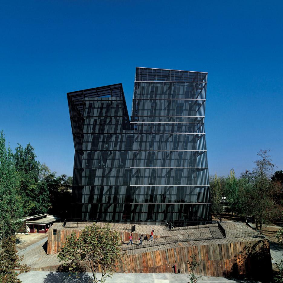 Siamese Towers_Universidad Catolica de Chile_Alejandro-Aravena_dezeen_936_6