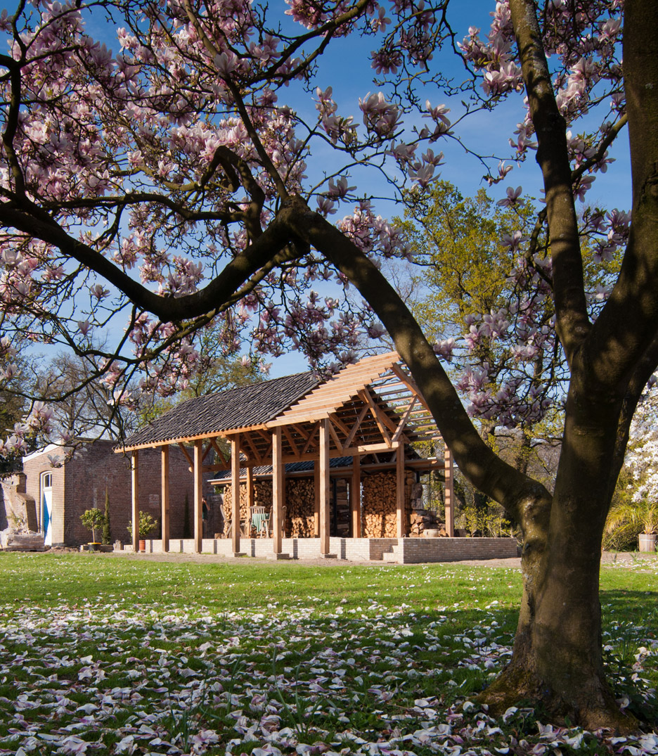 Timber pavilion by deBOSSA