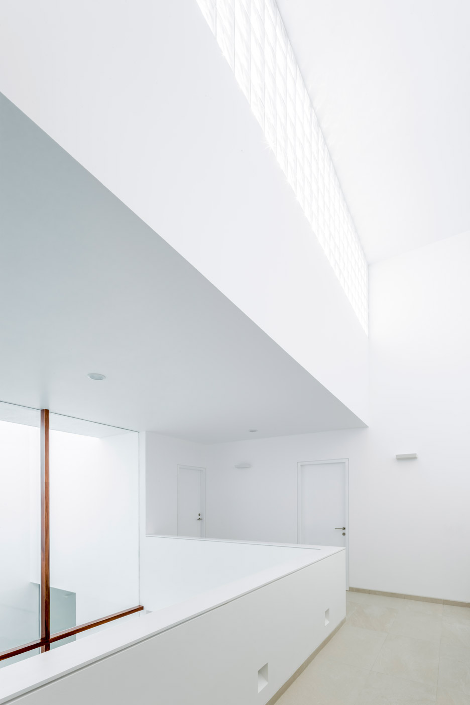 V House by Abraham Cota Paredes