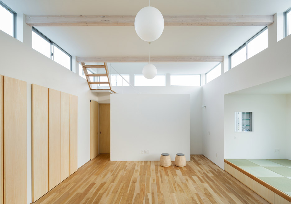 Floating House in Ogasa by Shuhei Goto Architects