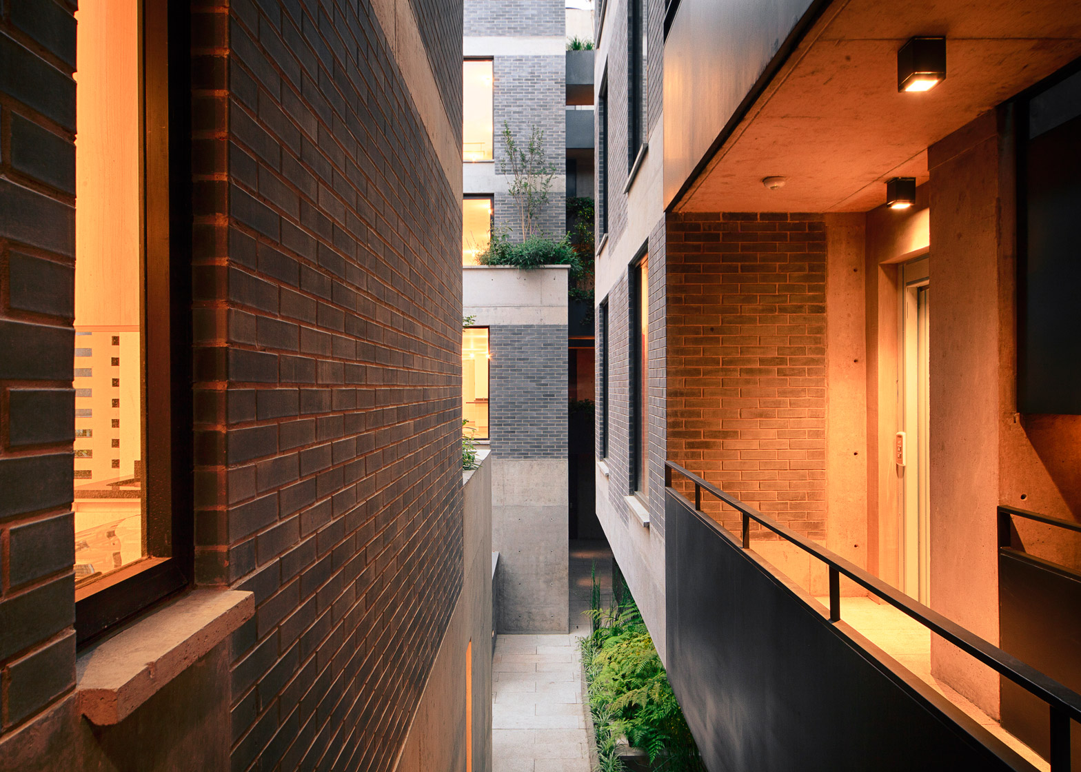Liverpool 61 housing by MMX