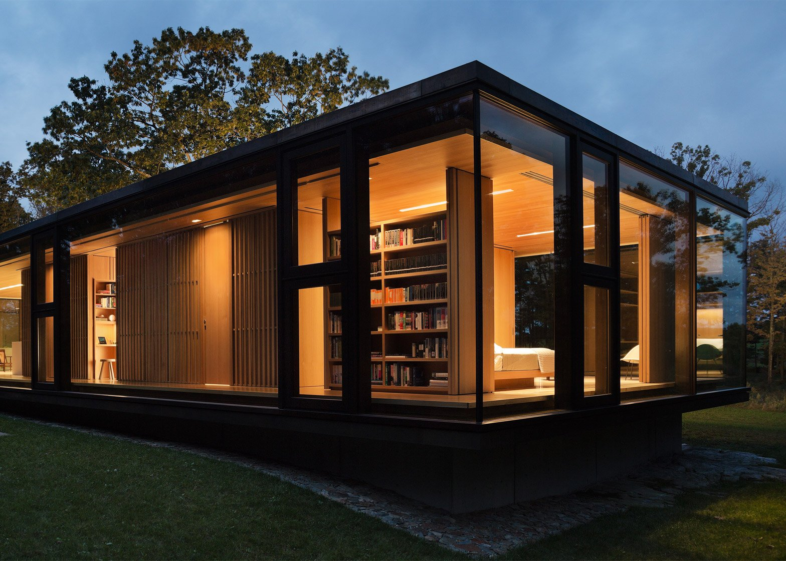 LM Guest House by Desai Chia Architects in Dutchess County, New York