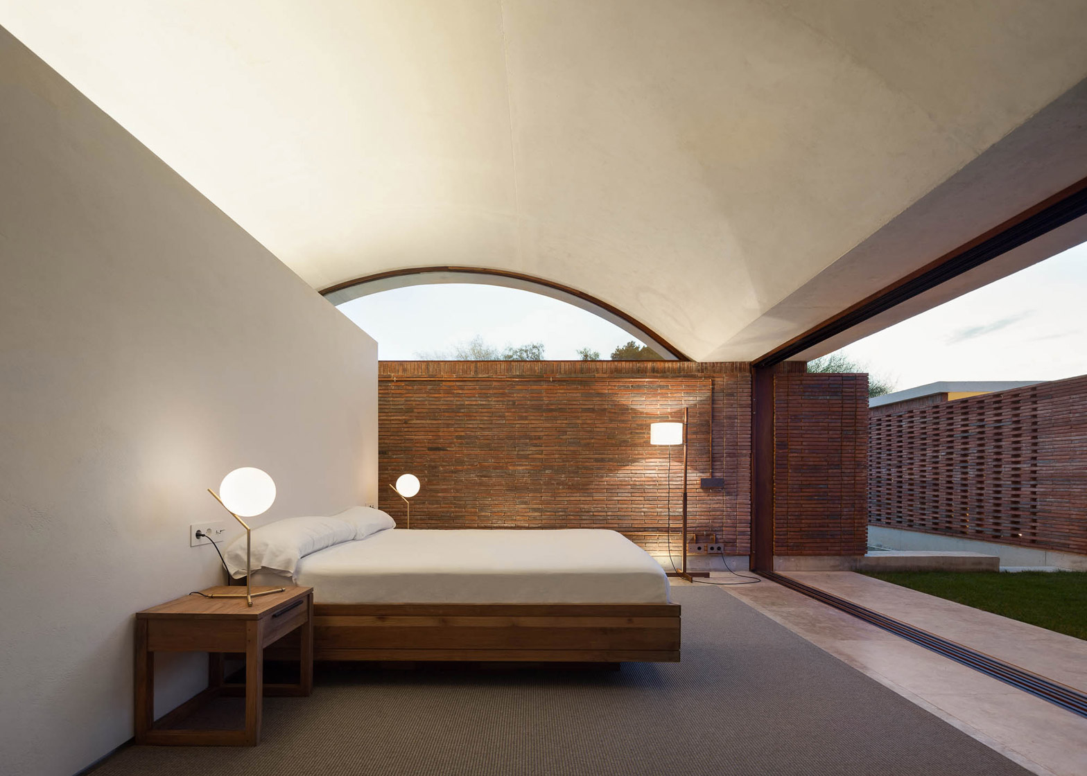Luxury  of IV House by Mesura