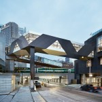 Covered bridge provides all-weather connection between Toronto hotel and convention centre