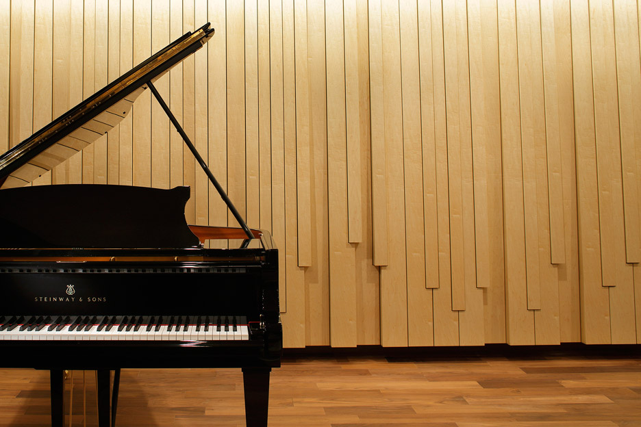 steinway-and-sons-flagship-shop-ogata-yoshiki-salt_dezeen_936_16
