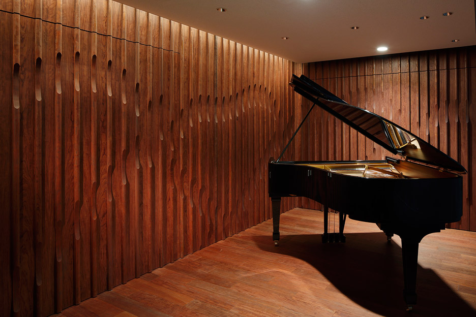 steinway-and-sons-flagship-shop-ogata-yoshiki-salt_dezeen_936_23